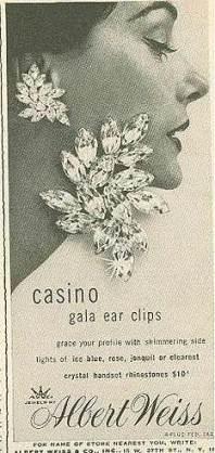 Ear cuff en cristal signée Albert Weiss, l'un des premiers à avoir utilisé le cristal Swarovski pour ses créations.