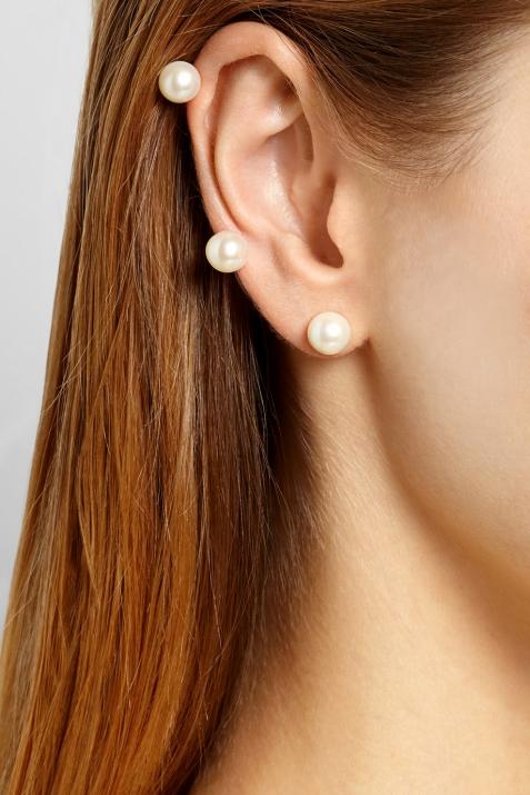 Ear cuff en or et perles, Ana Khouri.