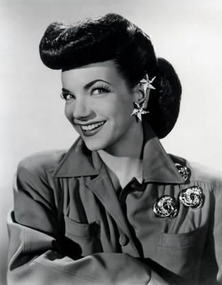 L'actrice portugaise Carmen Miranda, étoile du cinéma des années 1940.