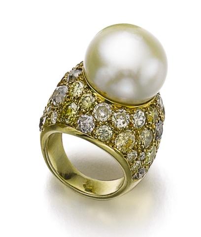 Bague en diamants et perle, 1964. Estimation : CHF 9,000 - 13,000