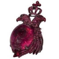 Bague « Aigle à Deux têtes » en spinelle, rubis et or laqué rouge.