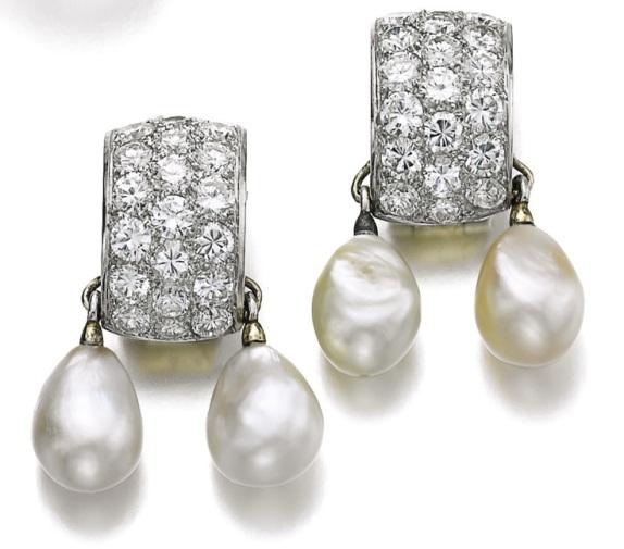 Boucles d'oreilles en diamants et perles baroques, 1965. Estimation : CHF 13,000 - 16,000