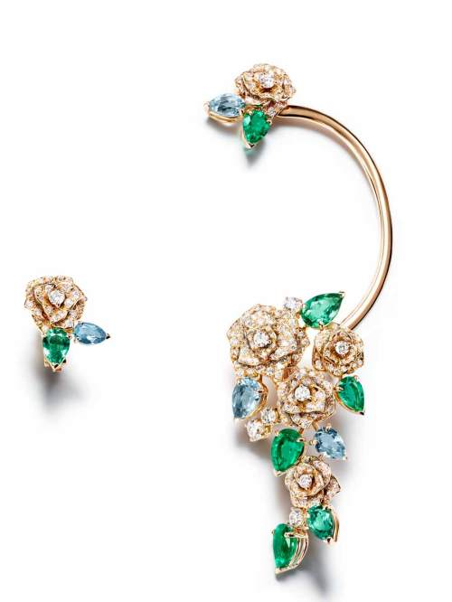Ear cuff Mediterranean Garden en or rose, émeraudes, diamants, aigues-marines et tourmalines, Piaget.