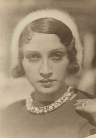 Jacques Henri Lartigue, Renée Perle à Ermenonville, 1930