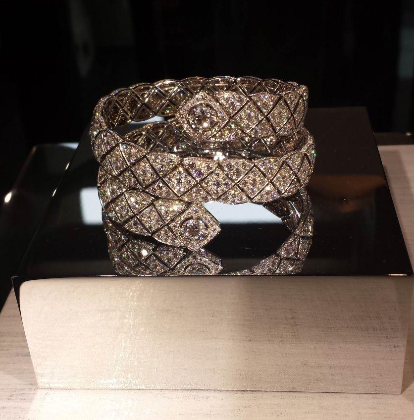 """Bracelet """"Signature Duo"""" en or blanc et 1180 diamants, Chanel"""